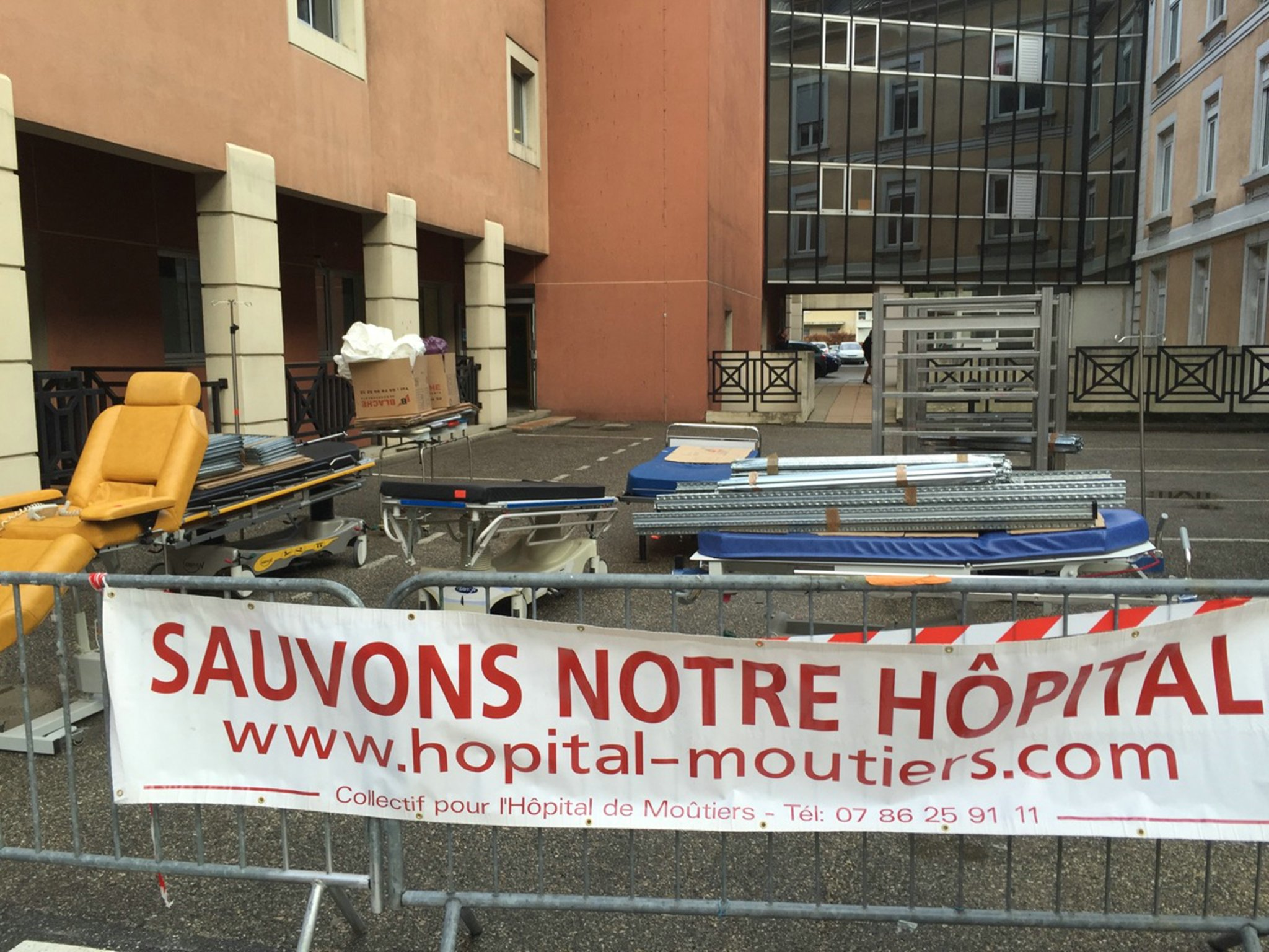 2015-12-16 - Blocage du tranfert des lits