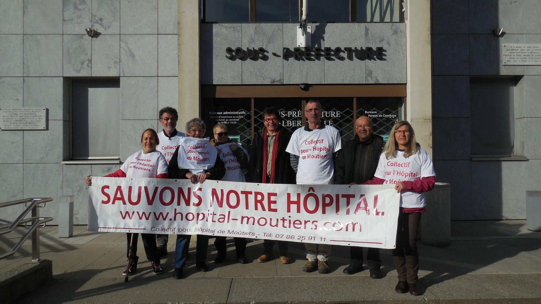 2015-12-16 - Devant la sous-préfecture_rs